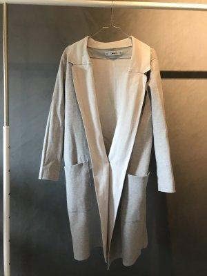 Lange stylischer Cardigan perfekt für den Übergang