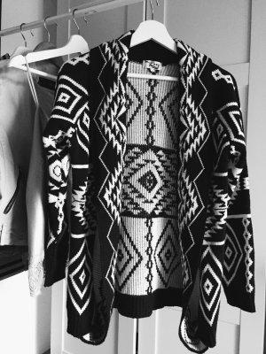 Langer Cardigan Aztec Muster schwarz weiß neu