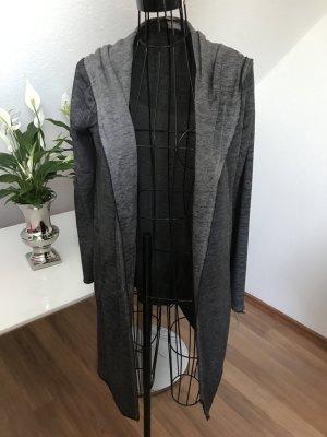 Langer Cardigan mit Kapuze und Taschen