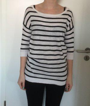 Langer gestreifter schwarz-weiß Pullover