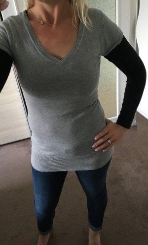 Langer grauer Pullover mit kurzen Ärmeln - Größe S