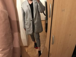 Zara Abrigo de invierno gris