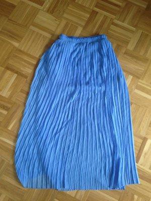 Langer hellblauer luftiger fließend fallender Maxirock von Zara