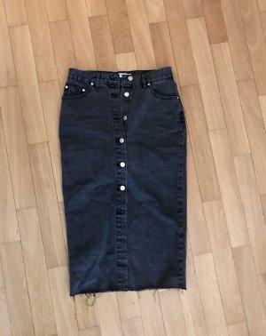 Langer Jeansrock mit Knöpfen, Größe 34, schwarz, cooler Used Look