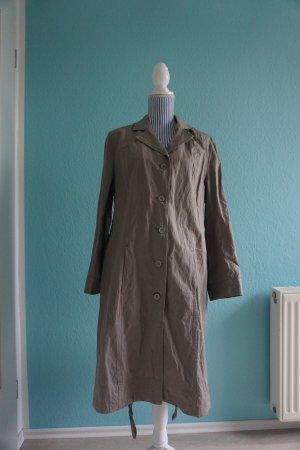 Langer khakifarbener Mantel von Maas Naturwaren