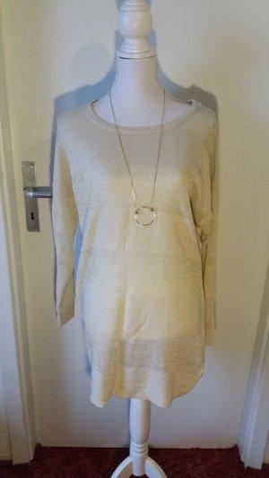 Langer kuschliger Pullover