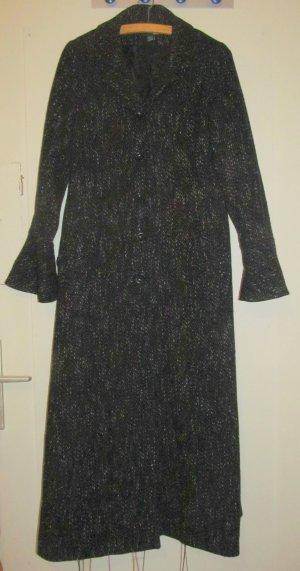 Langer Mantel von H&M mit Tropetenärmel