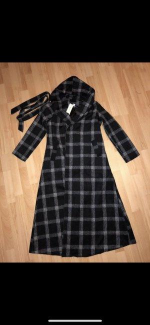 Abrigo con capucha negro-blanco