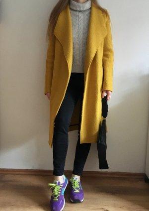 Langer Mantel von Zara