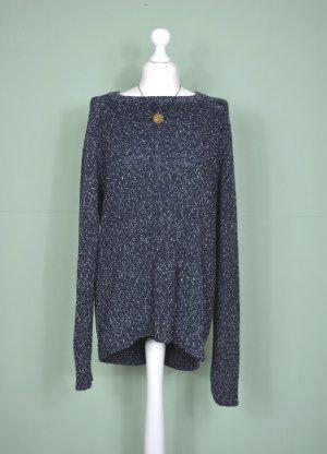 Langer Marineblauer Pullover mit weißen Punkten