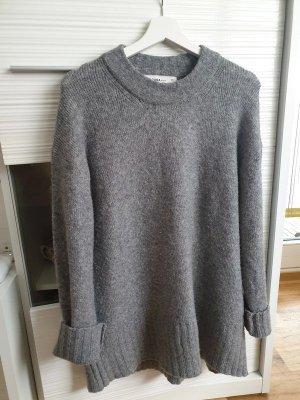 Langer Pullover von Zara