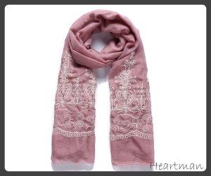 Langer Schal bestickt Rosa