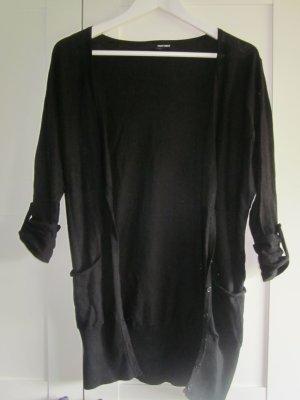langer, schwarzer Cardigan