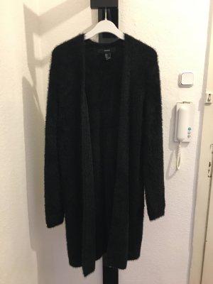 Langer schwarzer Fellcardigan