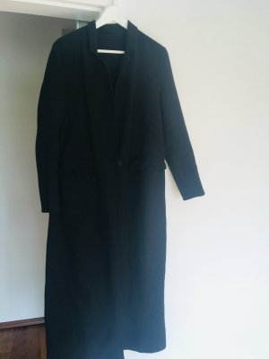 Langer schwarzer Mantel mit Taschen und Schlitz, Zara, Grösse M