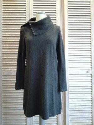 Langer Strickpulli/ Pulloverkleid