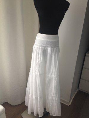 Langer weißer Stufenrock aus Baumwolle