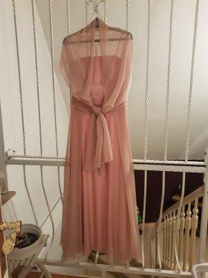 Langes Abendkleid in rosa.