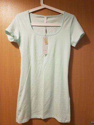 langes Basicshirt in mintgrün