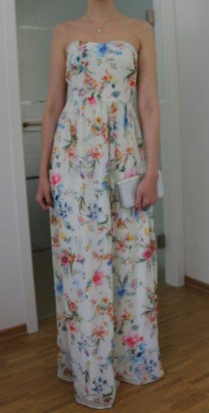 langes Blumiges Kleid von Bershka