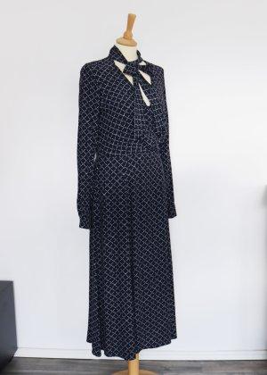 Langes Blusenkleid mit Schluppenkragen von Yessica Neu 36 Navy