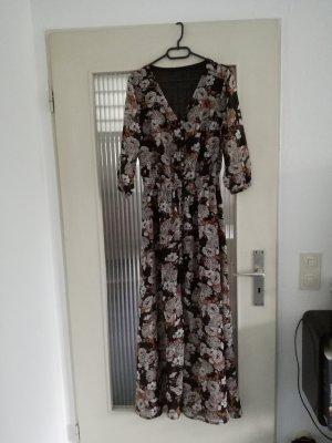 Langes Boho-Kleid mit V-Ausschnitt