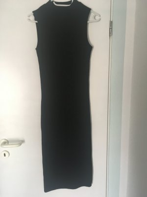 Langes enganliegendes feinripstrick kleid