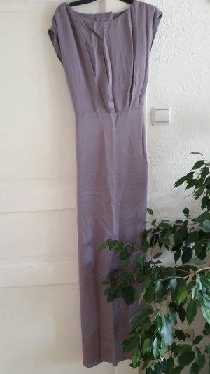 langes fließendes Kleid in flieder