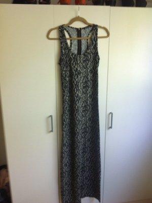 Langes Kleid für den Sommer in schwarz/weiß