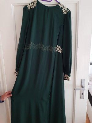 ......langes kleid in einem schönen grünton