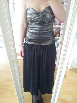 Langes Kleid mit metallischem Oberteil