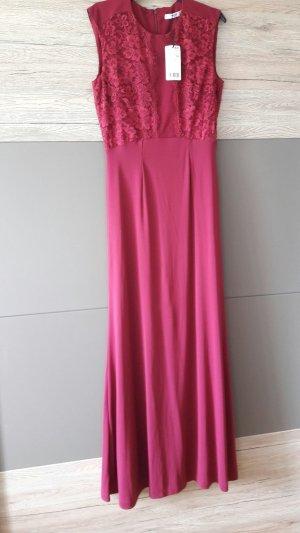 Langes Kleid mit Spitze