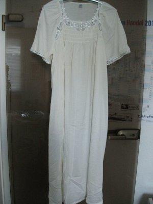 Vêtement pour la maison blanc cassé coton