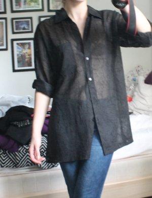 Langes schwarzes transparentes oversized Hemd