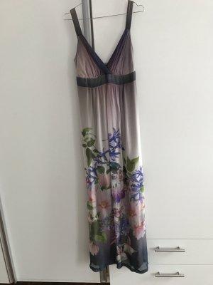 Langes Seidenkleid von Ana Alcazar