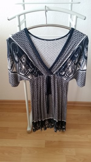 Langes Shirt mit schönem Muster