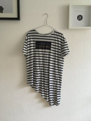 Langes Shirt mit schrägem Saum