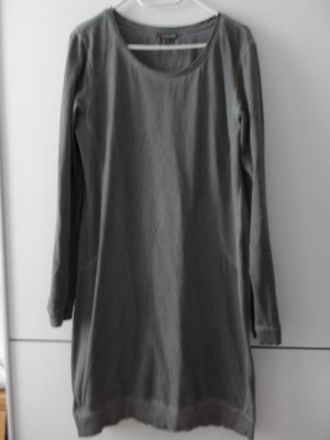 langes Shirtkleid