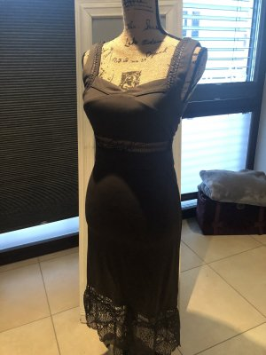 Langes Sommerkleid in Olive von Romeo + Juliette Couture