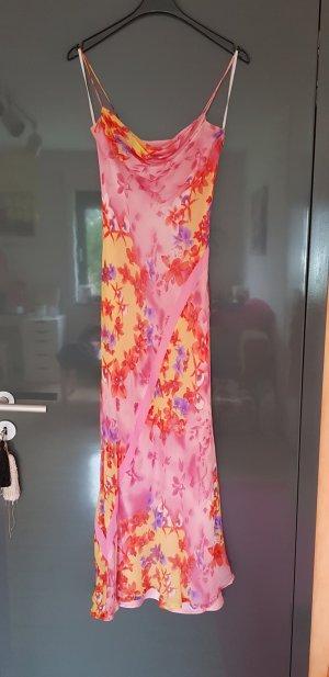 Langes sommerliches Kleid mit Blumenmuster in Größe 34
