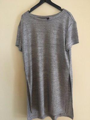 Langes T-Shirt mit Seitenschlitzen
