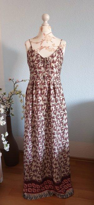 langes Trägerkleid, Maxikleid aus Satin mit Blumenmuster von Mango