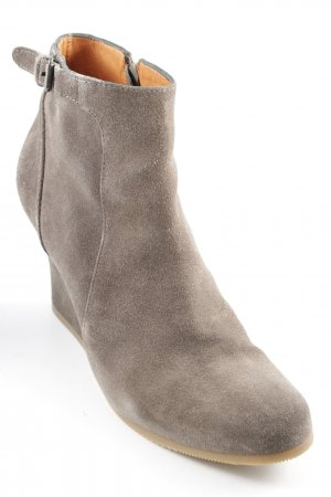 Lanvin Keil-Stiefeletten khaki Street-Fashion-Look