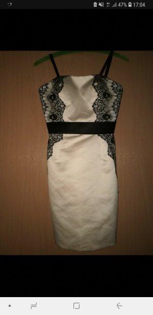 Laona Off the shoulder jurk zwart-room