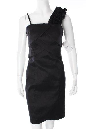 Laona Vestido de un hombro negro Detalle de tela en capas