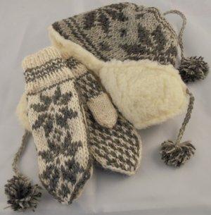 Chapeau en tricot crème-gris anthracite laine