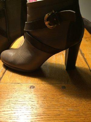 LAST CHANCE!!Pier One, wunderschöner grauer Ankle Boot, 9cm Absatz