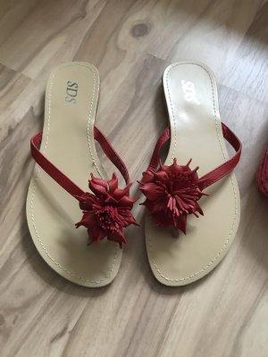 Latschen sandalen neu größe 39 mit roter blumen