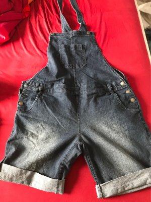 Latz-Shorts