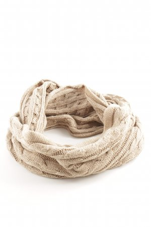 Laura Scott Snood natural white cable stitch casual look
